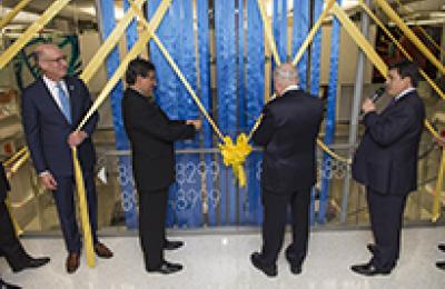 Photo of the GW Cancer Center ribbon cutting event